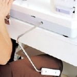 Janome 1600P-QC Knee_Lift